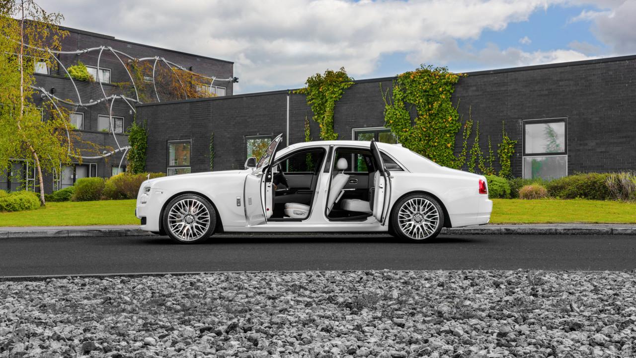 White Rolls Royce Ghost Wipdesigns Automotive Photographer Sheffield 2 1