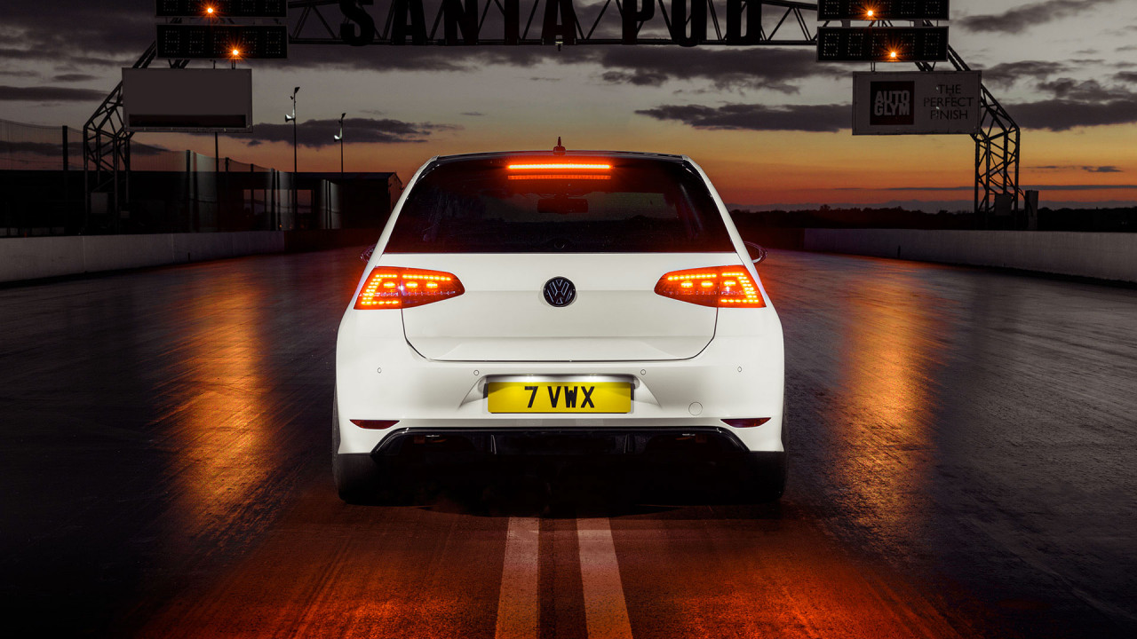 wipdesigns automotive photographer sheffield vw golf r 1