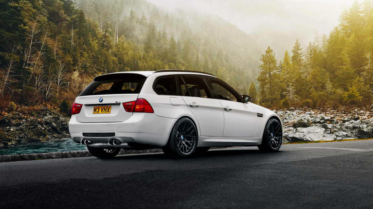 Wipdesigns Automotive Photographer BMW M3 Touring Rear Right