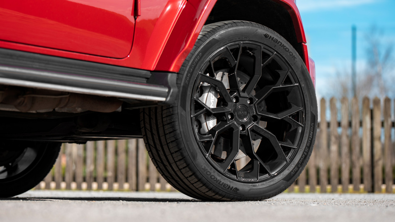 Velare Wheels VLR15 Diamond Black Mercedes Gwagon Front Wheel